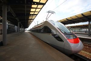 Скоростной электропоезд КВСЗ отправился в первый рейс по маршруту Киев-Львов (видео)