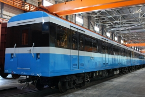 Проміжний вагон метро мод. 81-7037